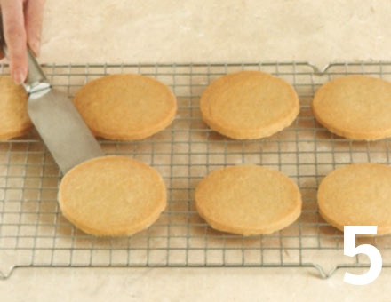 Preparacion de Galletas de mantequilla - Paso 5