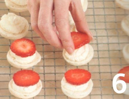 Preparacion de Macarones de Frutilla y Crema - Paso 6