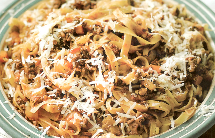 Receta de Cocina paso a paso: Tagliatelle con Salsa de Carne