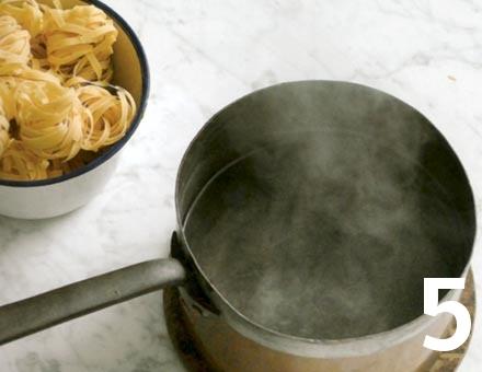 Preparacion de Tagliatelle con Salsa de Carne - Paso 5