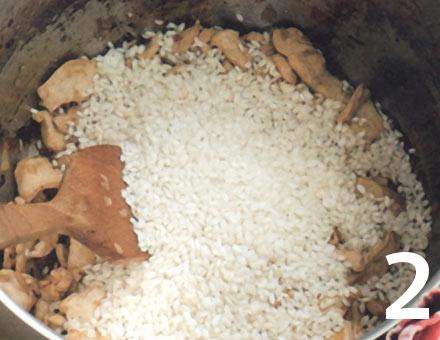 Preparacion de Risotto de Pollo con Azafrán - Paso 2