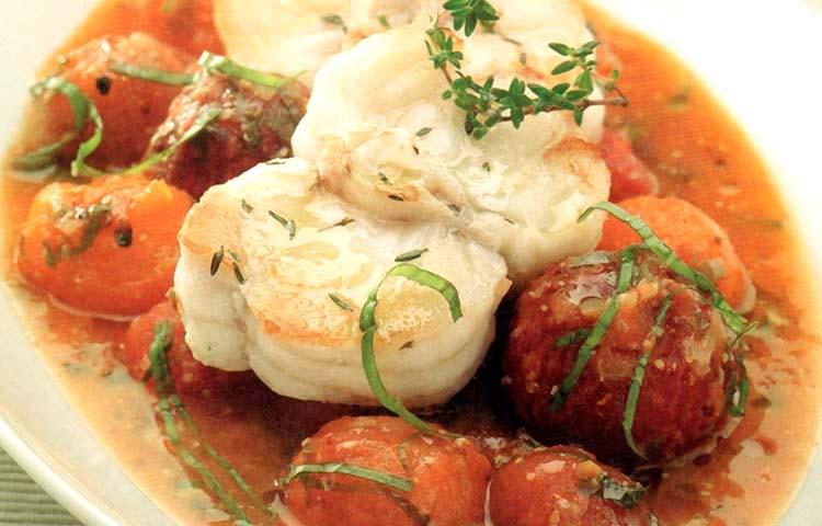 Receta de Cocina paso a paso: Medallones de Congrio sobre Ragú de Tomates