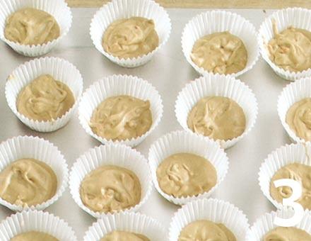 Preparacion de Cupcakes de mantequilla de maní - Paso 3