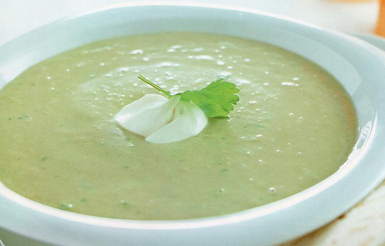 Receta de Cocina paso a paso: Sopa Fría de Palta y Cilantro