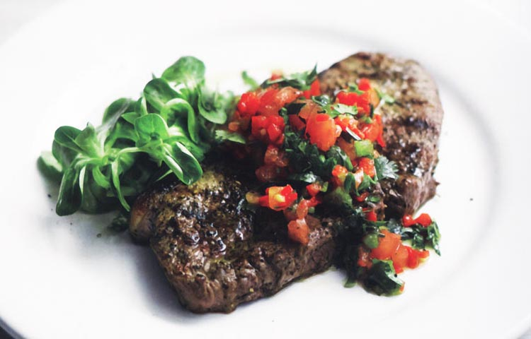 Receta de Cocina paso a paso: Entrecot a la Plancha con Salsa Picante