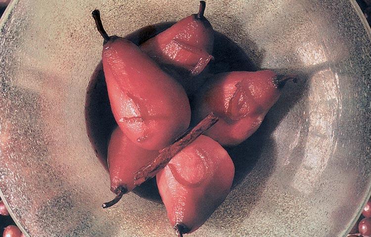 Receta de Cocina paso a paso: Peras en Vino Tinto
