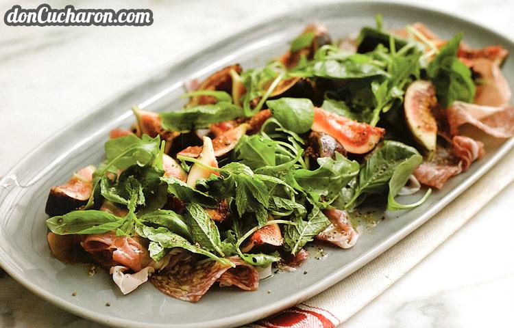Receta de Cocina paso a paso: Ensalada de Jamón y Salame con Higos