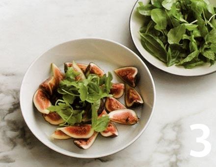 Preparacion de Receta de Cocina: Ensalada de Jamón y Salame con Higos - Paso 3