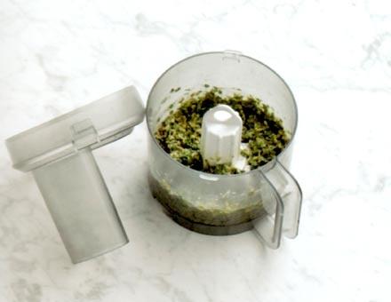 Preparacion de Receta de Cocina: Gnocchi con Pesto de Nueces - Paso 2