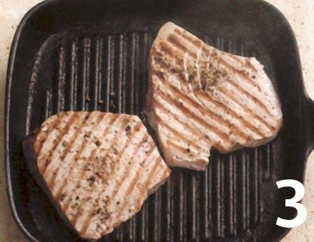 Preparacion de Receta de Cocina: Atún a la Plancha - Paso 3