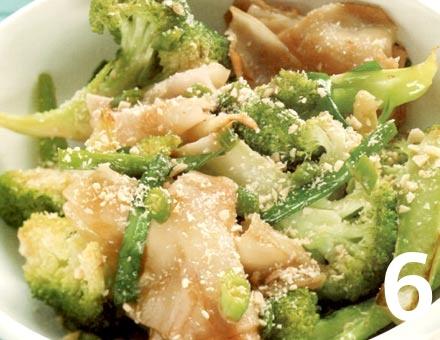 Preparacion de Receta de Cocina: Tallarines de Arroz con Brócoli y Ají - Paso 6