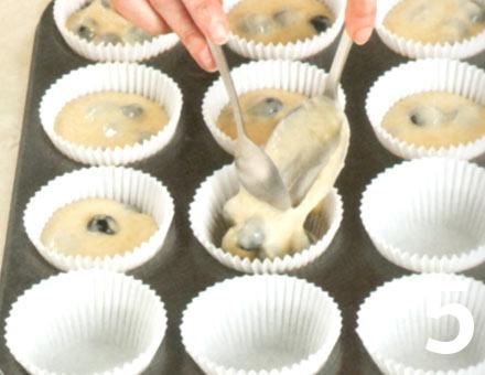 Preparacion de Muffins de arándano y limón - Paso 5