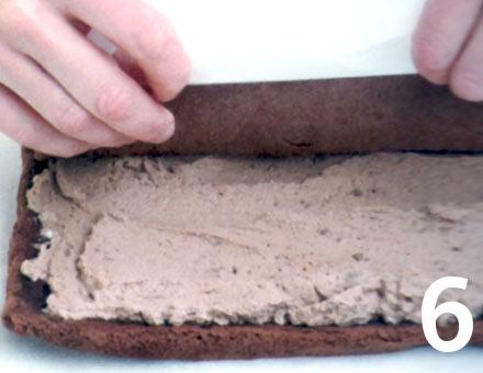 Preparacion de Brazo de Reina de Chocolate y Crema - Paso 6